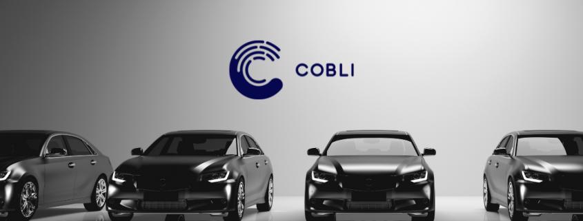 Foto de estoque da Cobli: 4 carros um ao lado do outro