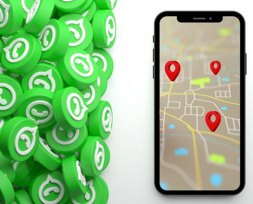 símbolos do whatsapp e ao lado um celular com mapa